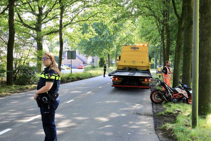 Een motorrijder raakte zaterdagmiddag gewond in Eemnes.
