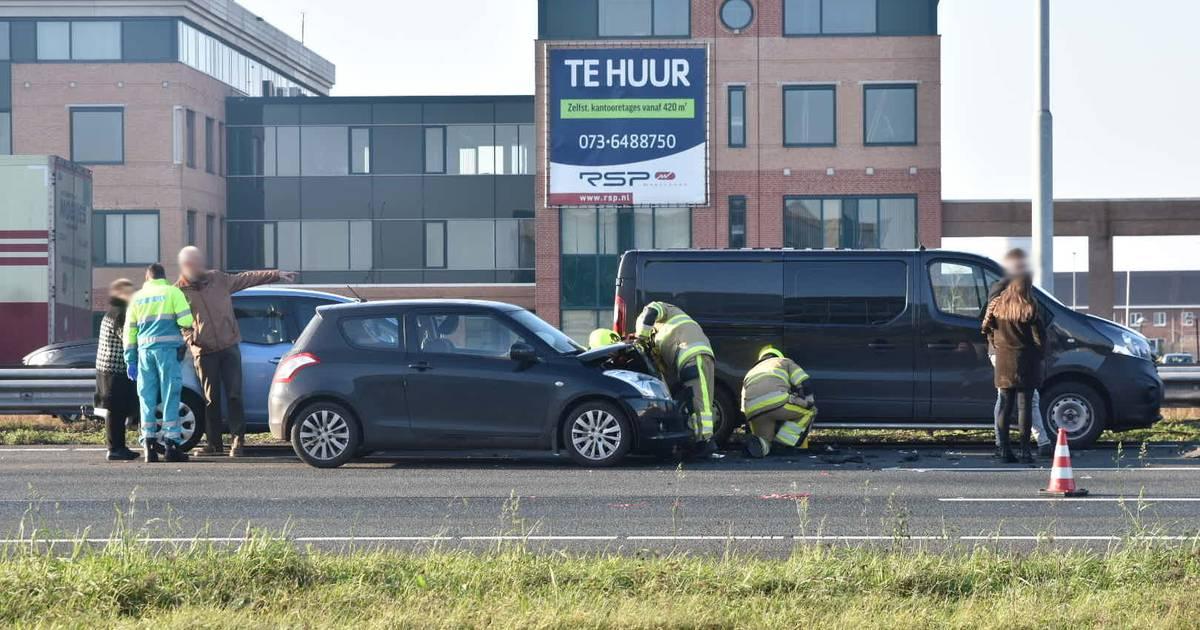A2 weer vrij na kettingbotsing met negen autos bij Zaltbommel.