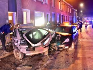 Vijf auto's in de prak: aanrijder (25) is onder invloed van alcohol en drugs