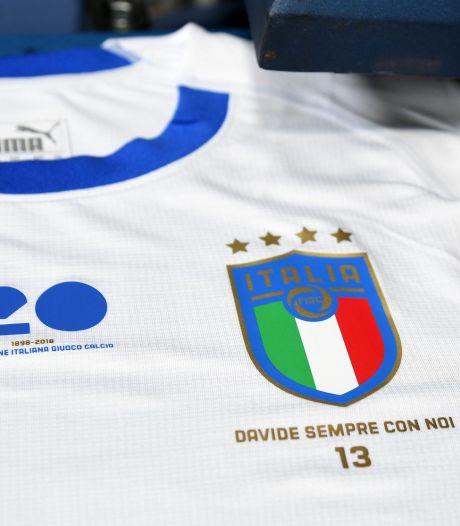 Un hommage à Astori sur le maillot de l'Italie contre l'Argentine
