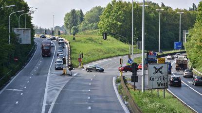 Wevelgem verkoopt stuk grond aan verkeerswisselaar A19/R8 aan AWV, en zo komt herinrichting weer stap dichterbij