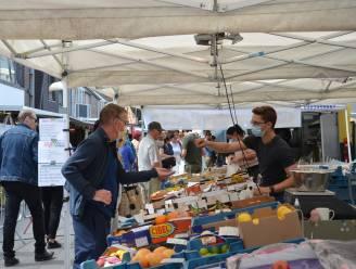 Gemeentebestuur lanceert wekelijkse boerenmarkt op zondag in Hof ten Henne