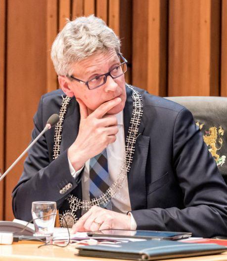 Doodsbedreiger burgemeester Bolsius voorlopig uit de cel met contactverbod: 'Hij blijft wel verdachte'