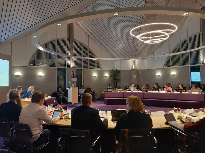 De oordeelsvormende vergadering van de gemeenteraad.