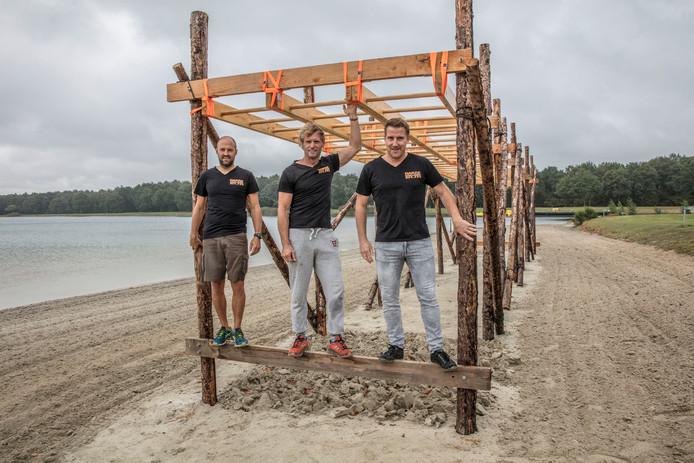 Op het E3-eiland wordt volop gebouwd aan de hindernissen voor de obstacle run van 17 september.