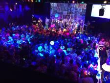 Het liedjesfestival gaat door met vaste zitplekken en een QR-code: 'Moet een feestje worden'