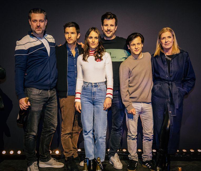 Cast voor 'Zillion', de nieuwe film van Robin Pront over de gelijknamige discotheek: Geert van Rampelberg, Matteo Simoni, Charlotte Timmers, regisseur Robin Pront, Jonas Vermeulen en Barbara Sarafian.