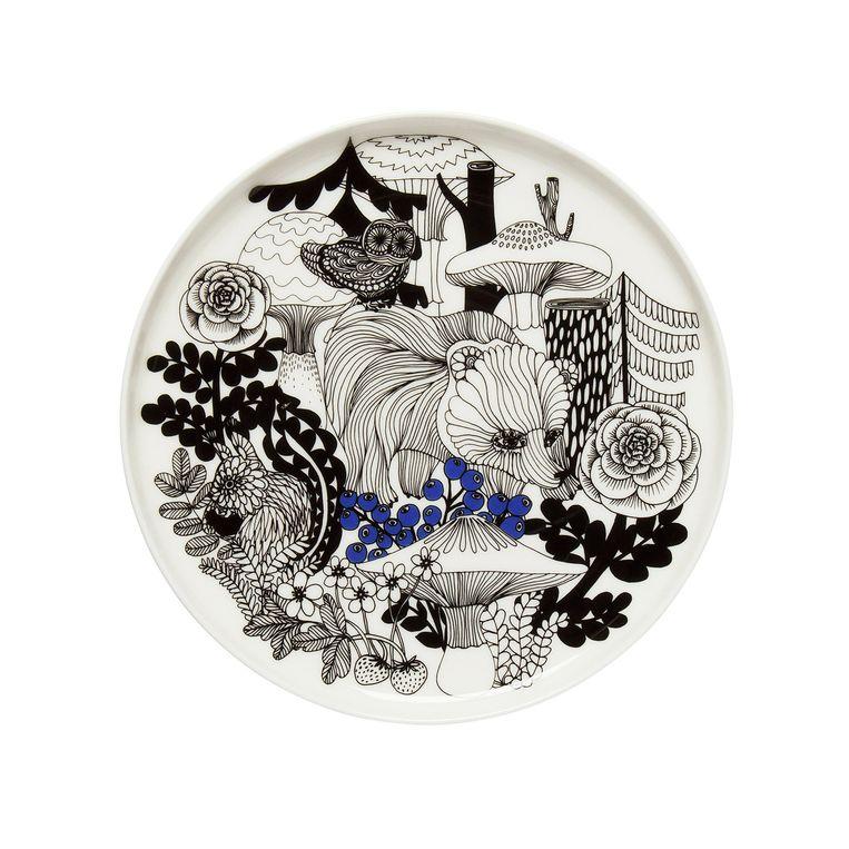 Deze Marimekko-print met fabeldieren is geïnspireerd op Finse volksverhalen. Verder geeft Marimekko hun iconische Unikko-stof uit in het blauw. Beeld rv