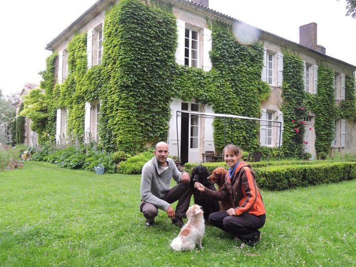 Arend en Meike gooiden in 2012 het roer om. 'We verkochten ons huis in Leeuwarden en gingen fulltime aan de slag als huizenoppassers.'