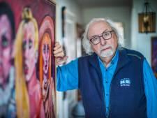 Societyschilder Adrian Stahlecker (84) heeft thuis in Den Haag zijn eigen wereldje gecreëerd