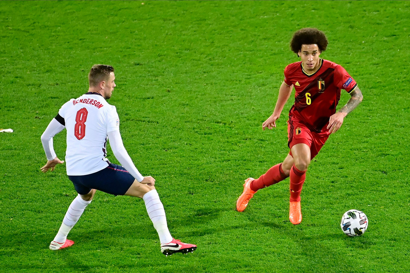 LEUVEN, BELGIUM - NOVEMBER 15 : Axel Witsel midfielder of Belgium battles for the ball with Jordan Henderson midfielder of England during the UEFA Nations League match group stage final tournament - League A - Group 2 between Belgium and England on November 15, 2020 in Leuven, Belgium, 15/11/2020 ( Photo by Peter De Voecht / Photonews