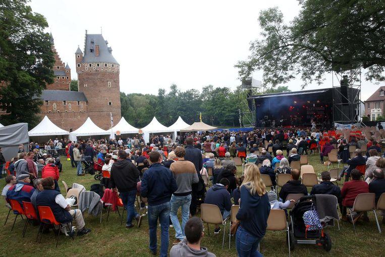 De Kasteelfeesten in Beersel worden tweejaarlijks georganiseerd in de schaduw van het kasteel.