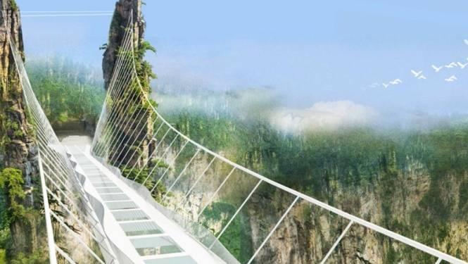 Duizelingwekkend: China bouwt hoogste en langste glazen brug ter wereld