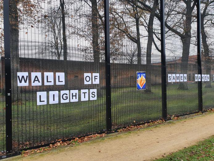 De gevangenis van Merksplas heeft nu een Wall of Lights in plaats van een Waal of Respect.