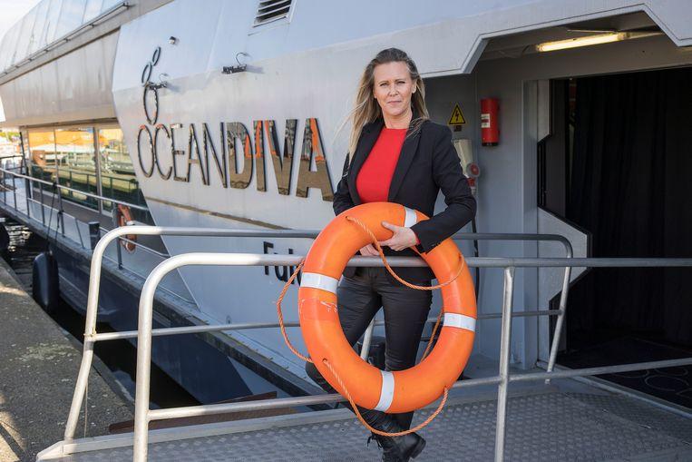 Ondernemer Mandy Berding van Oceandiva. Ze organiseert varende evenementen voor de zakelijke markt. 'De eerste twee maanden ging het nog fantastisch.' Beeld Arie Kievit