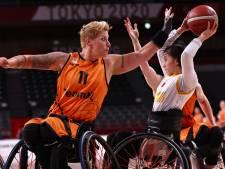 Rolstoelbasketbalsters Jitske, Xena en Chèr kunnen het nog amper bevatten: paralympisch goud!