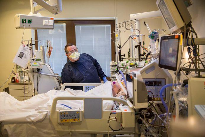 Coronapatiënt op de intensive care