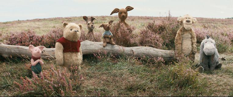 Piglet, Pooh, Rabbit, Roo, Kanga, Tigger and Eeyore in Disney's live-action adventure CHRISTOPHER ROBIN. Beeld RV/Disney