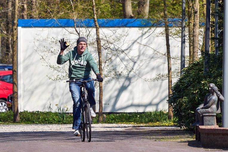 Demissionair premier Mark Rutte komt zondagmiddag bij het Catshuis aan. Beeld ANP