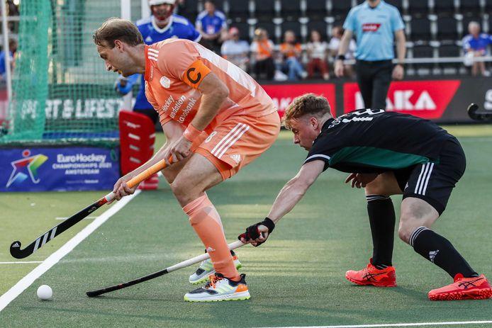 Billy Bakker maakte vlak voor tijd de 6-0, waardoor Nederland in de halve finale België treft.