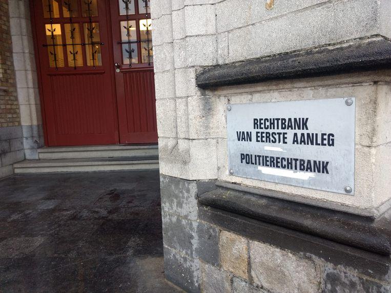 Fransman staat voor rechter