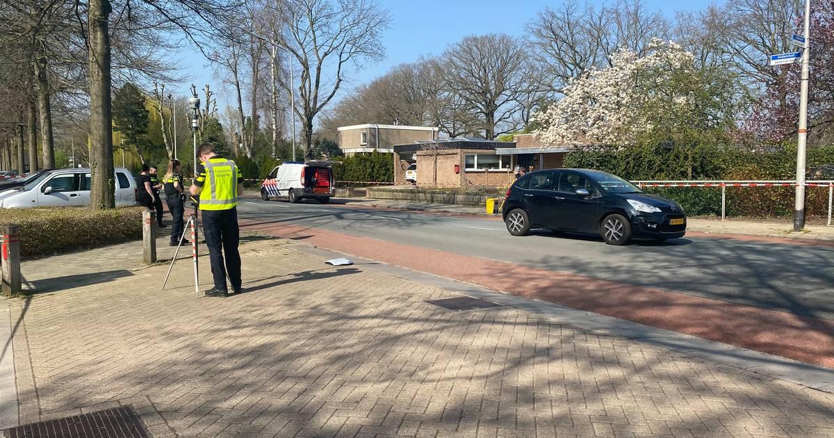 Kind gewond naar ziekenhuis na aanrijding met auto in Nijmegen.