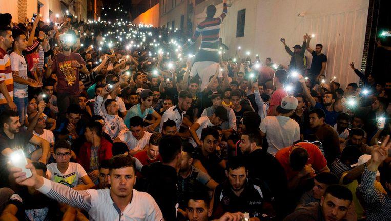 Demonstranten zondagavond in de Noord-Marokkaanse Al Hoceima Beeld anp