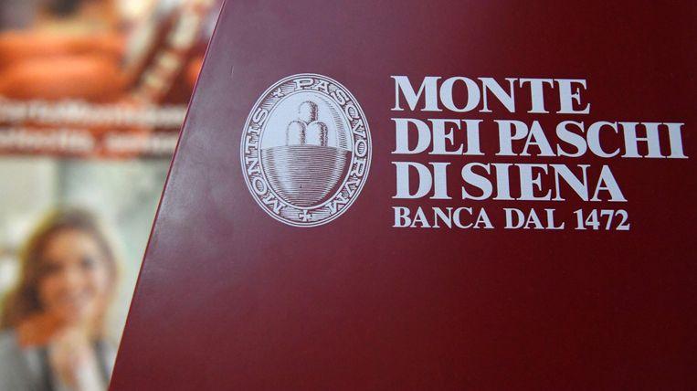 Eerder werd de handel in grote banken als UniCredit, Intesa Sanpaolo, Monte dei Paschi di Siena en Mediobanca tijdelijk stilgelegd na zware koersverliezen. Beeld AFP