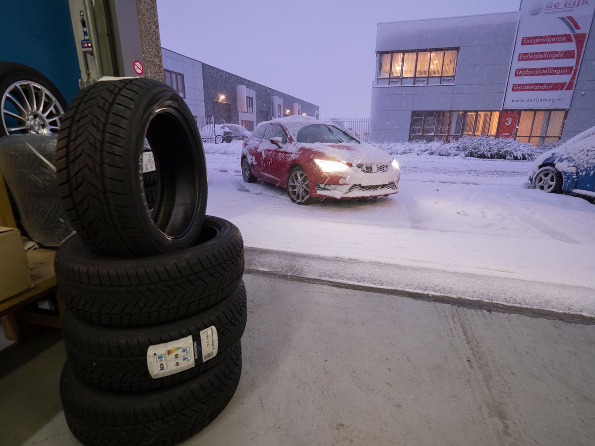 In december 2017, met zware sneeuwval in het hele land, waren de winterbanden niet aan te slepen.