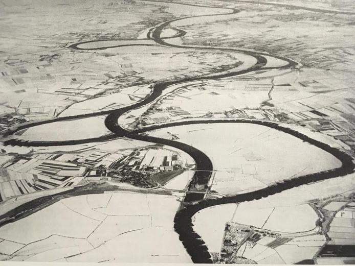 Een overzicht van de Maasbocht in Megen.