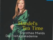 Dorothee Mields' theekransje pakt met Cupido allerminst saai uit