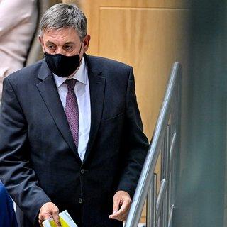 jambon-wil-vlaanderen-met-43-miljard-euro-uit-de-coronacrisis-leiden