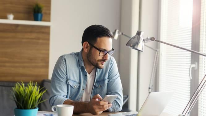 8 uur per dag je laptop aan, 3 kopjes koffie, een kwartiertje telefoneren en de verwarming: zoveel betaal je extra op je energiefactuur door telewerk