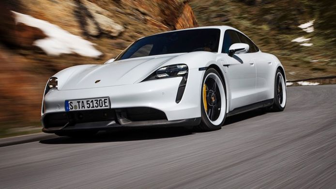 Porsche Taycan Turbo.