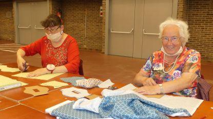 """Ferme vrouwen naaien 'mondmaskers met een glimlach' in Brielpoort: """"Er is nog plaats genoeg om te komen helpen"""""""