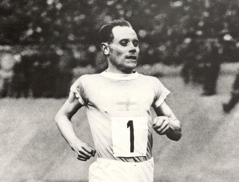 Paavo Nurmi in actie op de Spelen van 1920 in Antwerpen Beeld UNKNOWN
