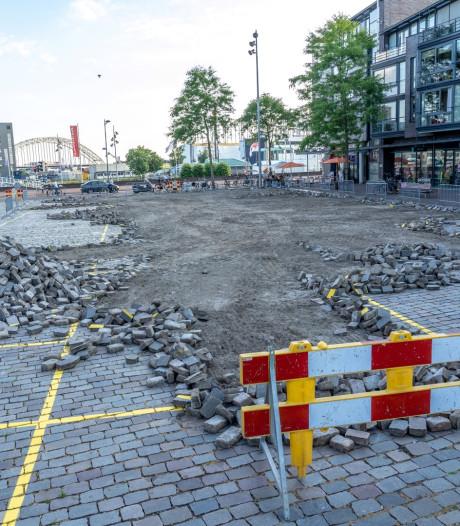 Bestrating Raadhuisplein in Alblasserdam verwijderd na miscommunicatie
