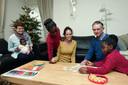 Nicole van Elteren in december met haar dochters Tereza, Maria en Diana in het (tijdelijke) appartement van haar ouders in Oudensbosch. Tereza, toen drie maanden oud, op schoot bij oma Lilian