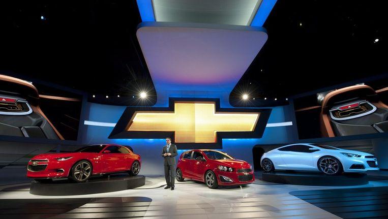 General Motors directeur Mark Reuss onthult drie nieuwe Chevrolets. Beeld epa