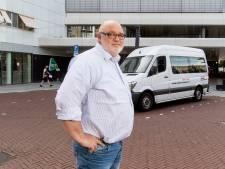 Twentse Henk Filipsen (54) zit na uitputtende nierdialyse te lang in taxi, net als veel lotgenoten: 'Gaat overal mis'