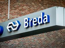 Luxe wachtruimte op station Breda voor internationale busreizen