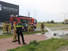 Voertuig in brand na valpartij in Den Hoorn