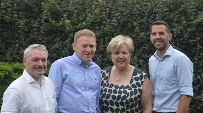 CD&V-ereschepen Rita Van den Bulck (72) staat raadszitje af aan jongerenvoorzitster Stéphanie Van Campenhout (29)