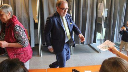 """Aalsters burgemeester D'Haese na knieval van CD&V en njet van sp.a: """"Ik beraad me"""""""