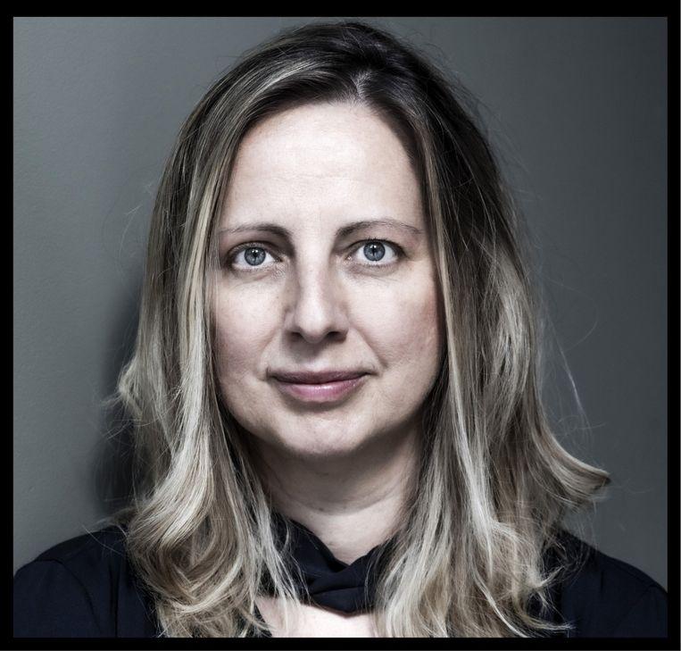 Elizabeth Krahulecz: 'Ik heb al dertig onderzoeken ondergaan om een schadevergoeding te kunnen krijgen. Telkens moet ik me volledig uitkleden en is er een dokter die me laat huilen.' Beeld