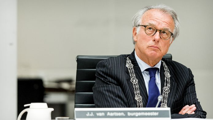 Burgemeester Jozias van Aartsen van Den Haag.