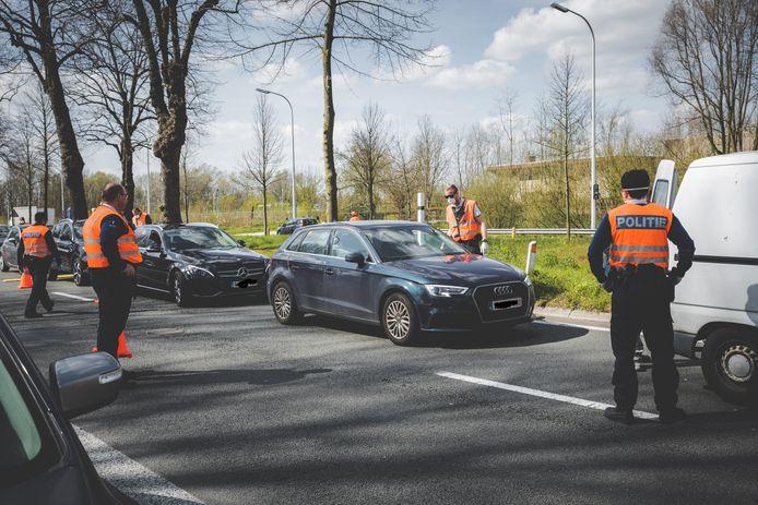 De Gentse politie organiseerde afgelopen weekend verschillende verkeerscontroles op alcohol, drugs en boorddocumenten