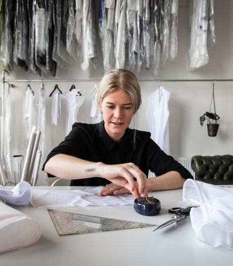 Ontwerpster maakt kledingcollectie rond Spakenburgse kraplap