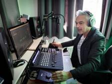 Bart uit Meppel is de koning van de radiojingle: Sky Radíííóóóó...