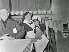 Ziek maar toch naar de kerk, wie ging er in 1955 naar het ziekentriduüm in de Gerardus Majellakerk?
